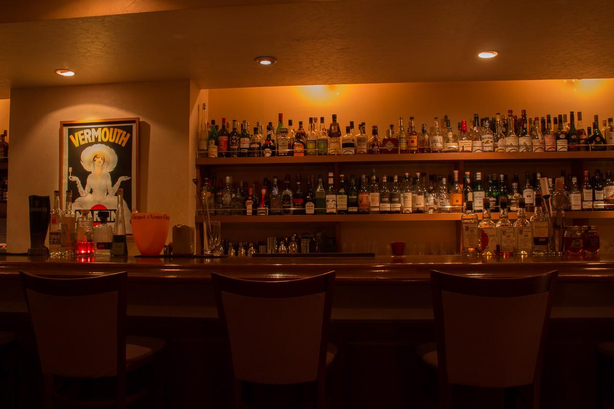 静岡市 Bar OZ. バーオンス 店内イメージ2